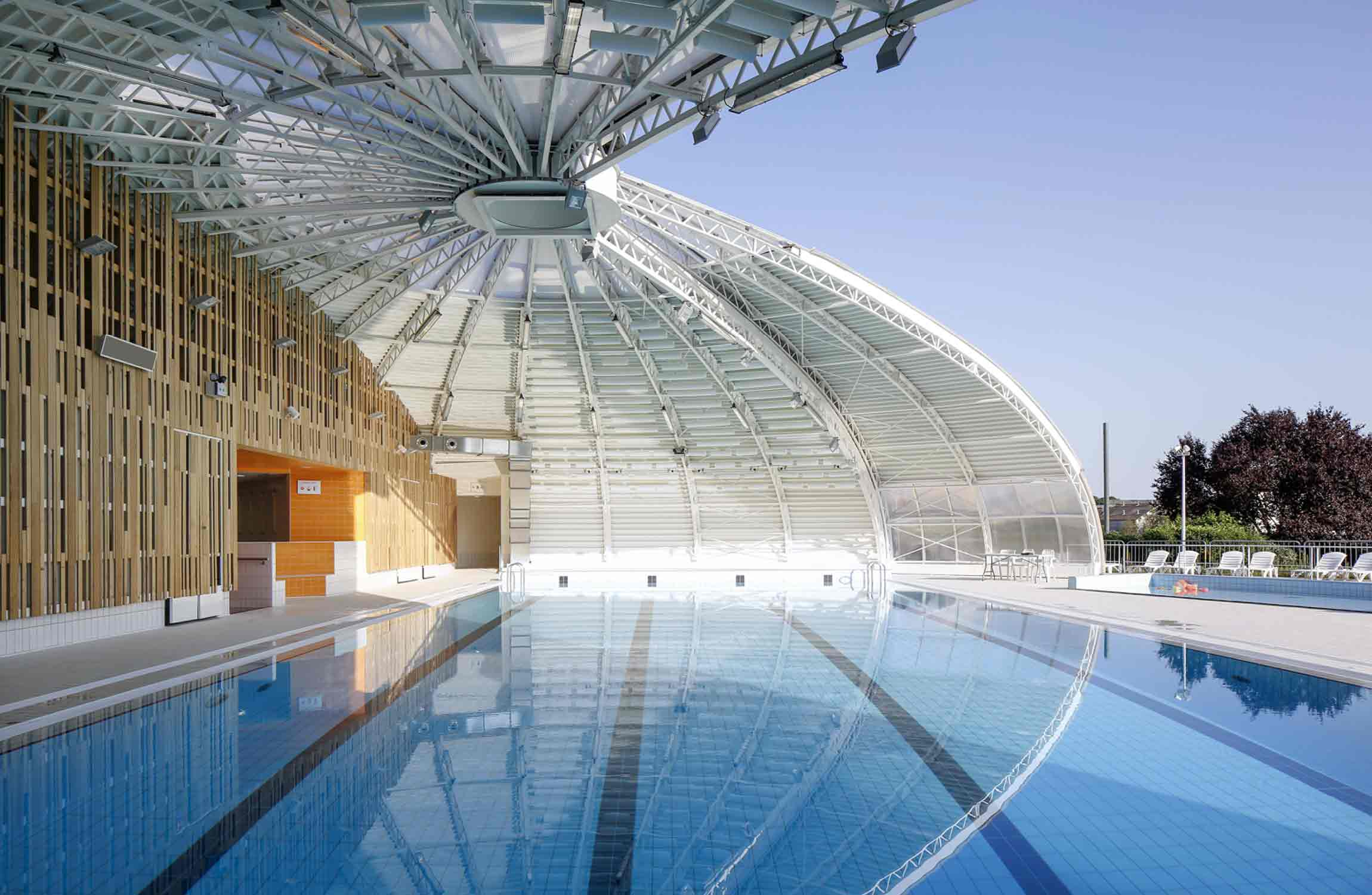 Piscine tournesol tna architectes paris for Projet piscine